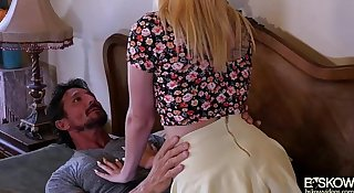 Sexy babe Iris Rose fucked by her hot and horny bf