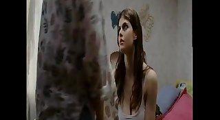 Alexandra Daddario (2)